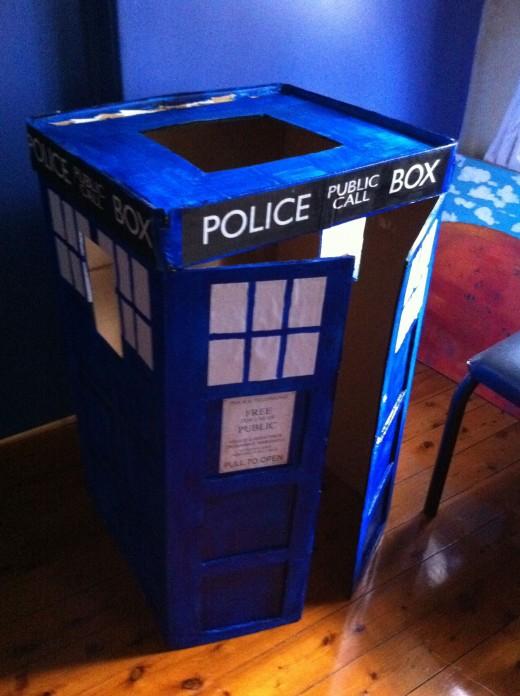 The finished TARDIS Costume!