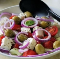 How To Make A Greek Salad Fast & Easy