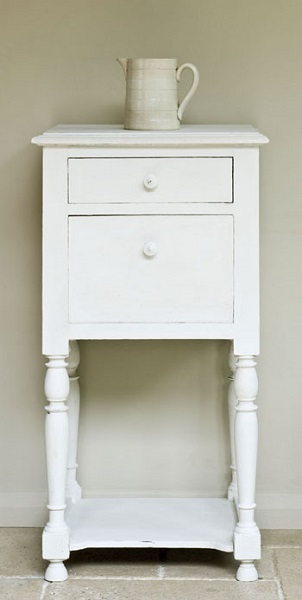 ASCP's 'Old White' for the outside of the campaign furniture