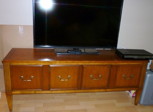 Before: I loved the lines and the size of this TV console.  The finish?  Not so much.