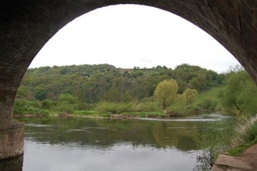 Looking down the Wye from under the bridge, this is the way to Monmouth, good job the river runs that way.