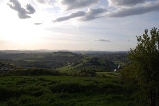 Across the Wye valley from the finger post