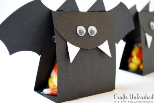 bat treat box - Halloween Bats Crafts