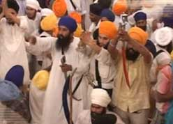Sikhs clash