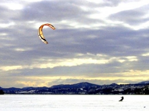 snow-kiting