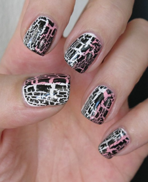 How To Use & Apply Crackle Nail Polish: The Best Tips, Reviews & Brands For Shattered Nails