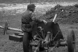 German soldier with Raketen-Panzerbuchse 43