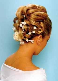 Wedding Hairdos and Updo Styles