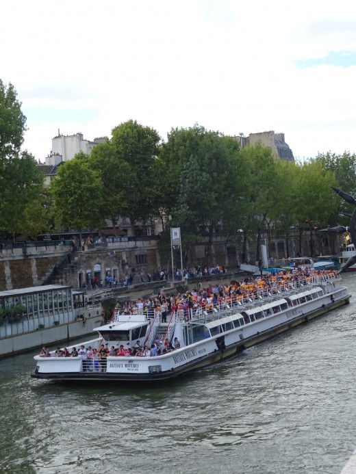 The Paris boats are packed