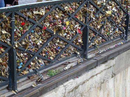 Love locks on Paris bridges