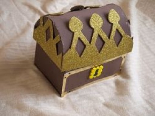 Click here for instructions on how to make this treasure chest.