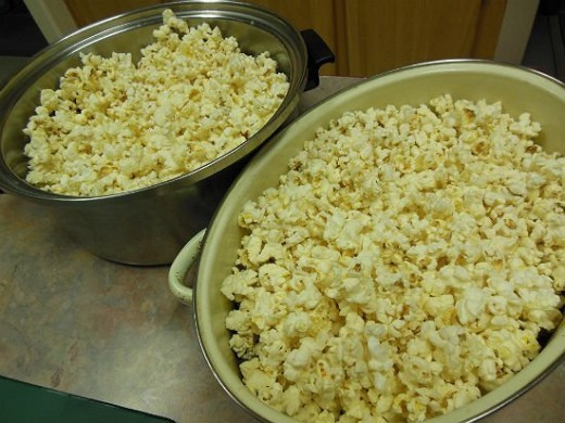 Popcorn Ready For Caramel Sauce