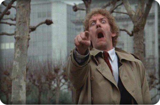 Donald Sutherland Spots a Human in the 1978 Version of Invasion of the Body Snatchers