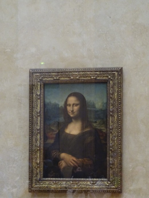 Mona Lisa is a tiny painting which can only be viewed from about 15m away. Tough to get the the front line