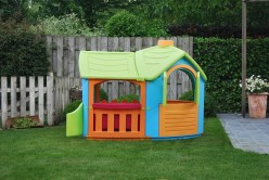 Children's Plastic Playhouses - What Are The Options?