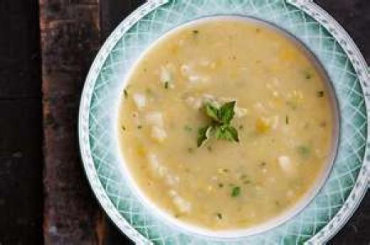 Cawl Mamgu (Creamy Potato Leek Soup)