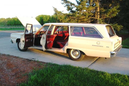 1967 Dodge Coronet Station Wagon