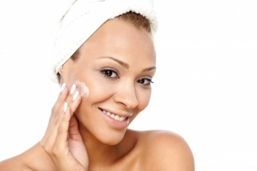 Dry skin needs a facial cleanser that is gentle, hydrating and capable of removing every trace of dirt and makeup.