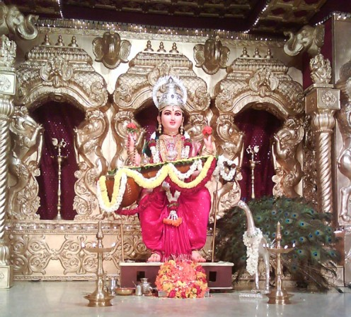 Sri Sharada Idol on the Stage