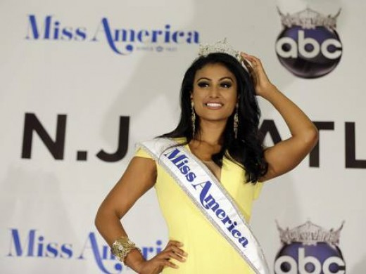 First Time An Indian origin Nina Davuluri has been crowned with Miss America