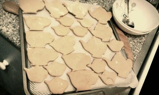 Baking tea-themed gingerbread for a tea-addict relative