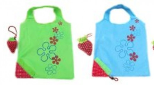 Click that link in the text above to see these fun Strawberry folding grocery bags - they fold up into a strawberry shape!