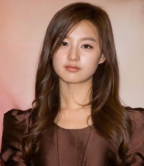 Kim Ji-Won: As Rachel Yoo, she was engaged to Kim Tam and heir of RS International. She dislike Cha Eun-Sang because Kim Tam like her that much.