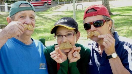 Moustache gingerbread for fun family photos