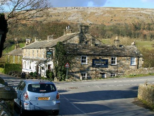 Bridge Inn Grinton (a Jennings inn), on the road into Reeth straight ahead, Richmond to the right and Wensleydale behind the photographer