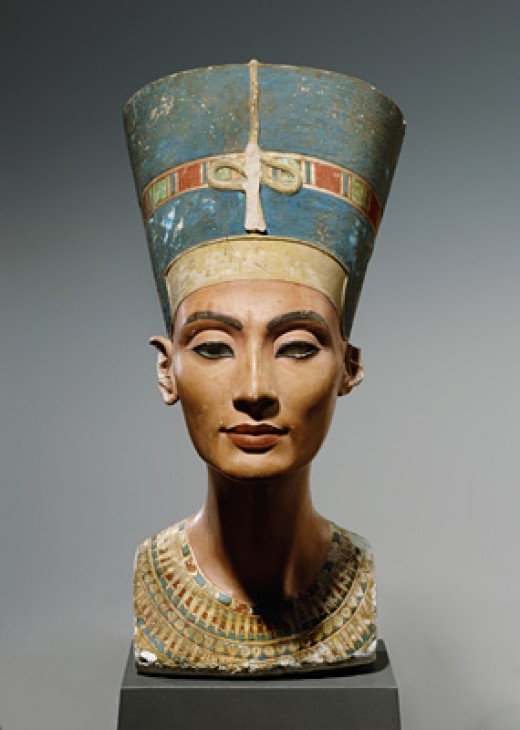 a study of the artwork of nefertiti by tutmose Among many other sculptural items recovered at the same time was the polychrome bust of nefertiti, apparently a master study for others to copy, which was found on the floor of a storeroom in addition to this now-famous bust twenty- two plaster casts of faces—some of which are full heads, others just the face— were found.