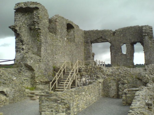 A view of the inside of Kendal Castle.  The building has been a ruin since the Tudor period.  Although rumours persist that Catherine Parr was born here, the castle was already beyond repair by that time, so the rumours seem very unlikely to be true.