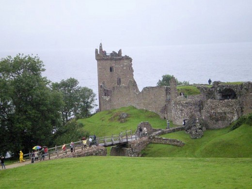 castle on the edge of Loch Ness