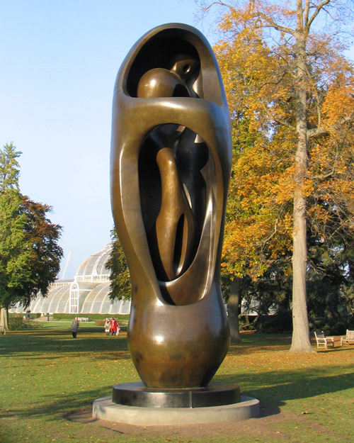 Large Upright Internal External Form by Henry Moore - exhibited at Kew Gardens in 2007