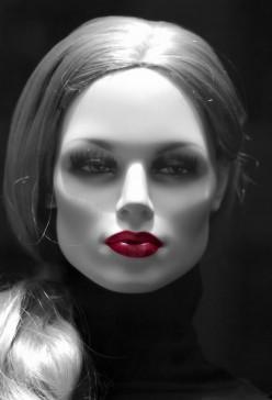 Risks of DIY Botox and DIY Restylane