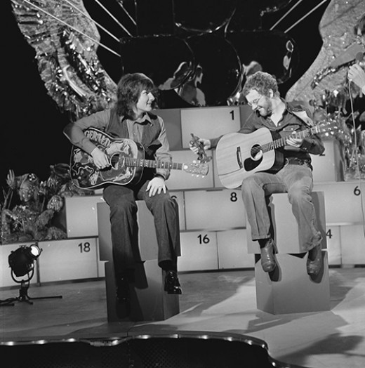 Stealers Wheel in AVRO's TopPop (Dutch television show) in 16 November 1973.