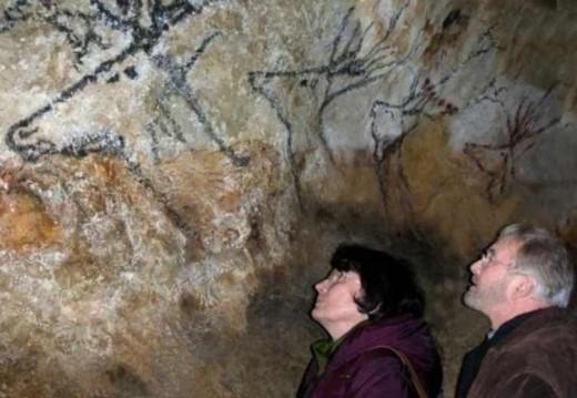 B. & G. Delluc in Lascaux cave
