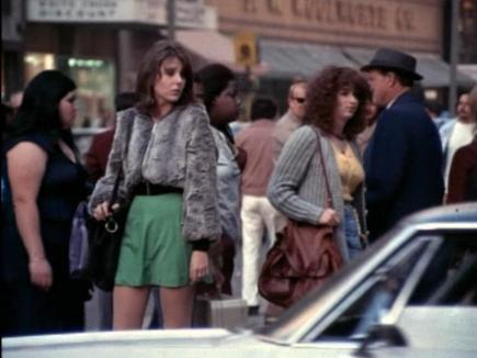 Jill Clayburgh and Melanie Mayron work the New York streets in Hustling