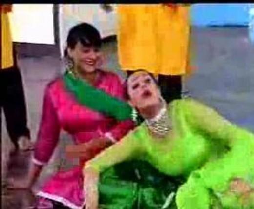 nargis dancing