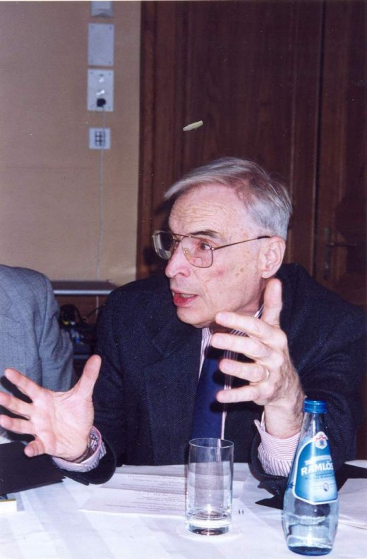 Ian Barbour at St. Andrew's Biblical Theological Institute in Moscow, 1999