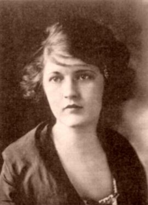 This portrait of Zelda Fitzgerald was done when she was 17.  Who would have known that she was soon to become one of the most infamous flappers of the 1920's?  However, although she was not yet famous when this photo was taken, she was eccentric!