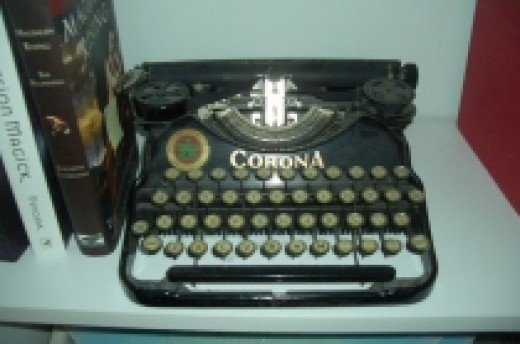 Corona #4 antique typewriter