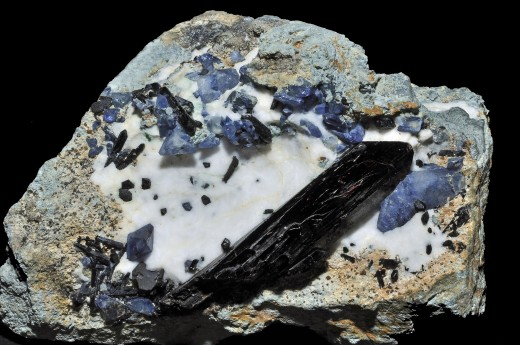 Neptunite Crystal with Benitoite and Joaquinite on Natrolite Matrix from Dallas Gem Mine in San Benito Co, Ca