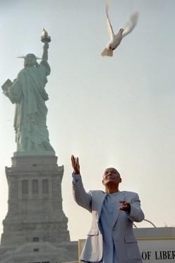 A Glimpse into Sri Chinmoy's Vision of America by Manatita