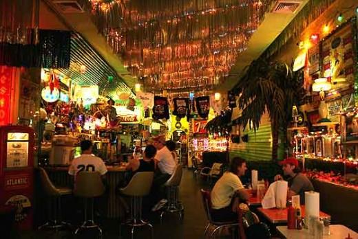 Trailer Park Lounge: interior.