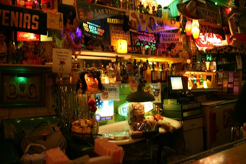 Trailer Park Lounge: bar.