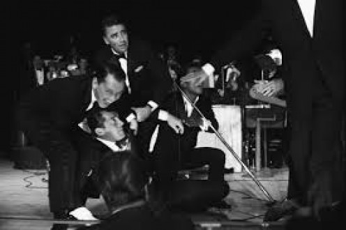 Rat Pack burns up stage