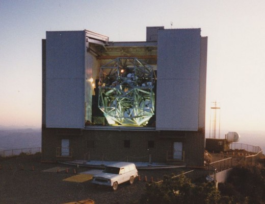 Multiple Mirror telescope at the Fred Whipple Observatory on Mount Hopkins, Arizona in 1981.