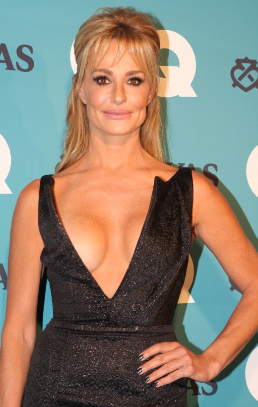 Taylor Armstrong has a net worth of $100,000 and volunteers for a family crisis center.