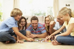 15 Thanksgiving Party Games