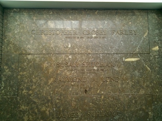 This is the grave of American actor and comedian Chris Farley  30 January 2010